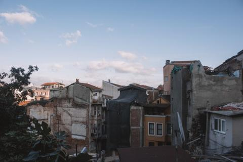 Earthquake Safety Lockdown